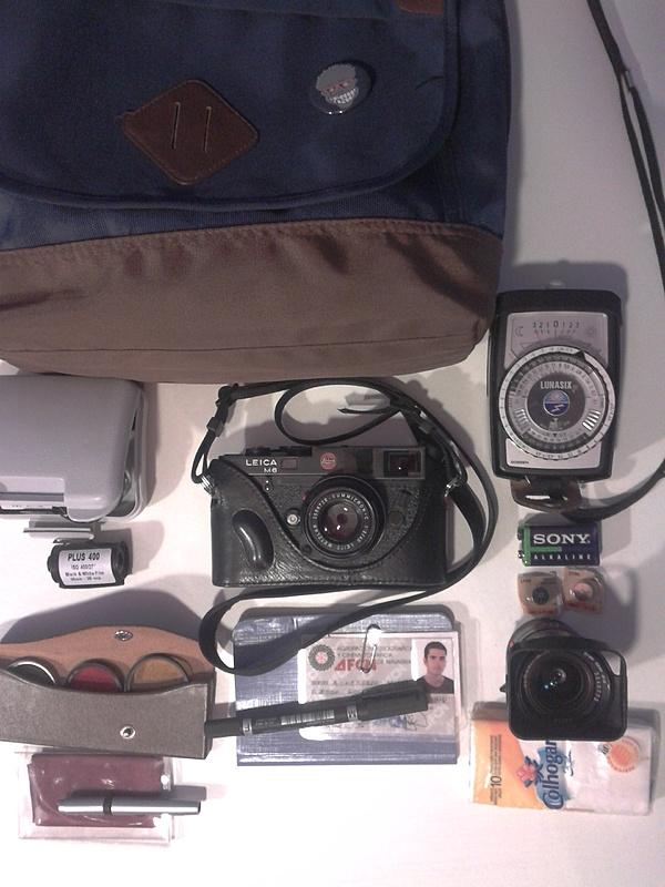 Lo que llevo en mi bolsa!-2013-02-20-20.22.02.jpg