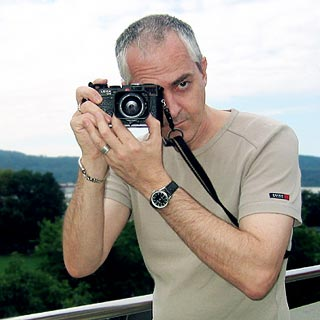 Fundas, semifundas y correas para las Leica-M-strap.action..web.jpg
