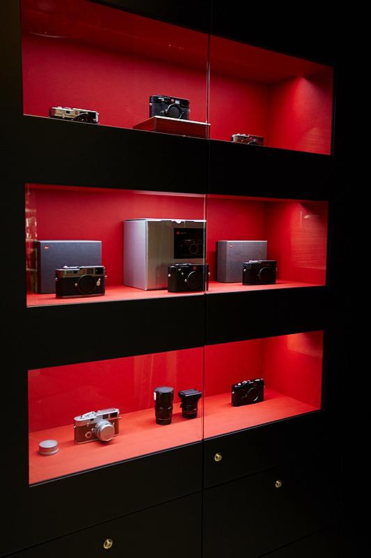 Configuración, y progreso del proyecto (Vbulletin paso a paso)-leica_boutique_casanova_foto_1.jpg