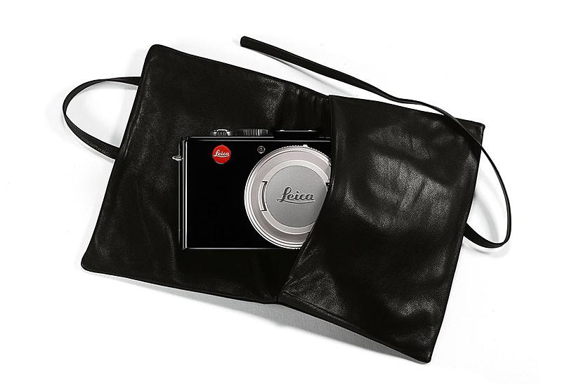 Leica D-lux 6 ahora en acabado Glossy (brillo)-leica-lux6-glossy-black_soft-pouch1.jpg