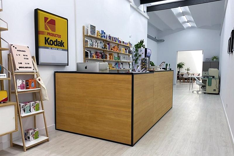 RevelaB Studio una nueva tienda con servicio de revelado en Barcelona-photo-2021-06-17-14-09-23.jpg