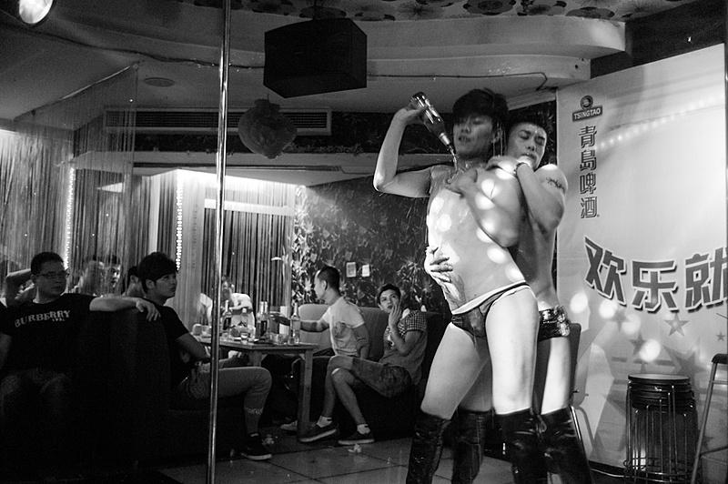 G & L Un nuevo proyecto que acabo de empezar. Gays y lesbianas en China-chn1206m9_18653.jpg