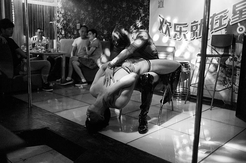 G & L Un nuevo proyecto que acabo de empezar. Gays y lesbianas en China-chn1206m9_18650.jpg