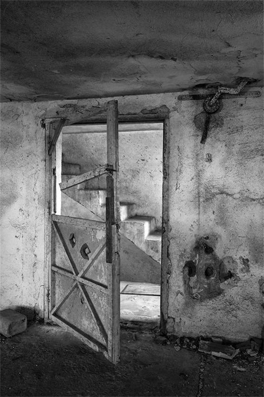 s1554 zpsrgim9fhm 1 - Abandoned houses, photographs of silence.