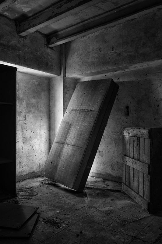 s1567 zpsuyrmm5lz 1 - Abandoned houses, photographs of silence.