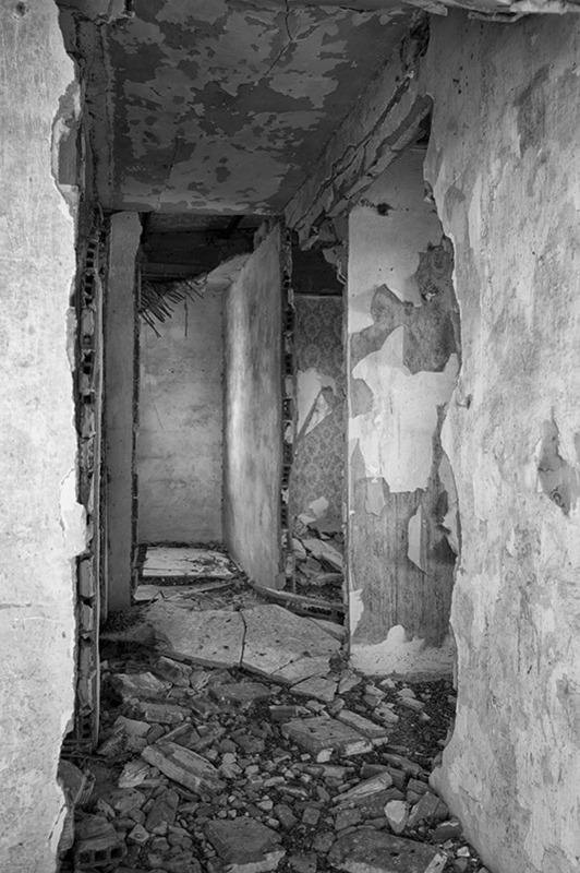 s1571 zpsapwyzuok 1 - Abandoned houses, photographs of silence.