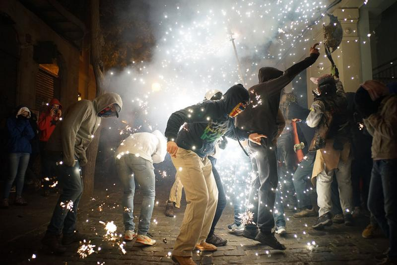 24127572907 2b3348aa19 b 1 - Correfoc de Sant Andreu (Barcelona) 2017