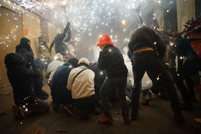 24127580367 7353b4a592 b 1 - Correfoc de Sant Andreu (Barcelona) 2017