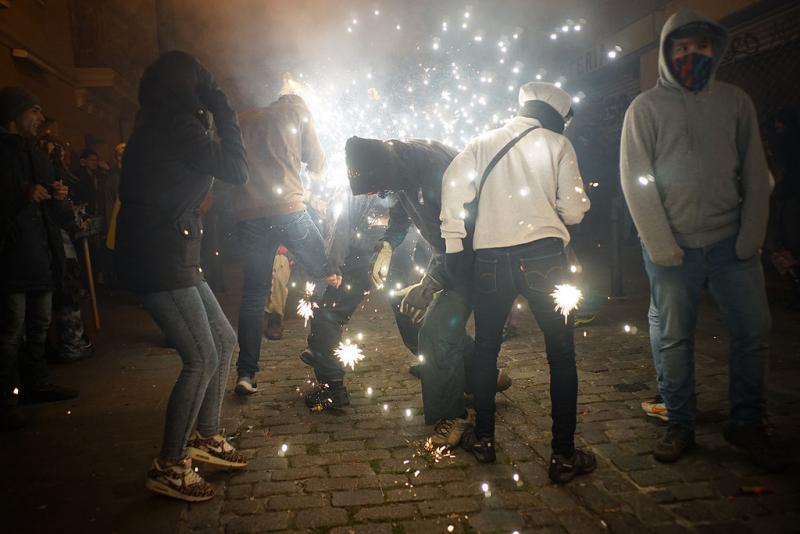 27214846019 fb7a246d19 b 1 - Correfoc de Sant Andreu (Barcelona) 2017