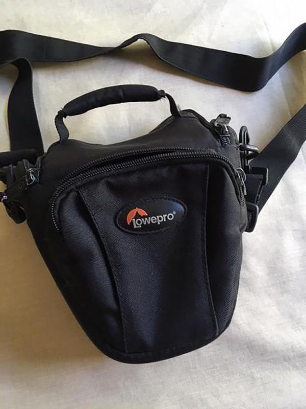 43049069430 7eb203d4dc b 1 - Vendo dos bolsas de hombro para cámara y una para portátil
