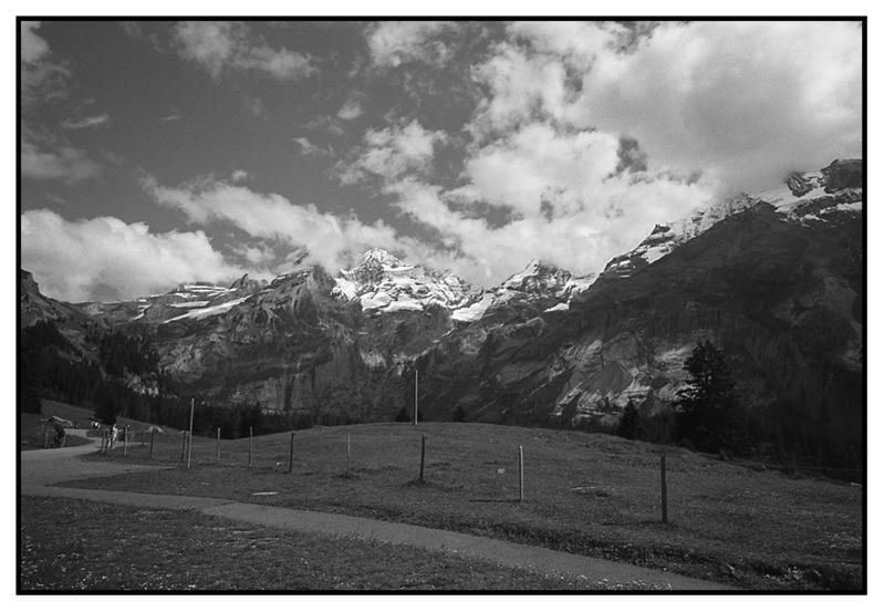 Cordillera - Camino del lago
