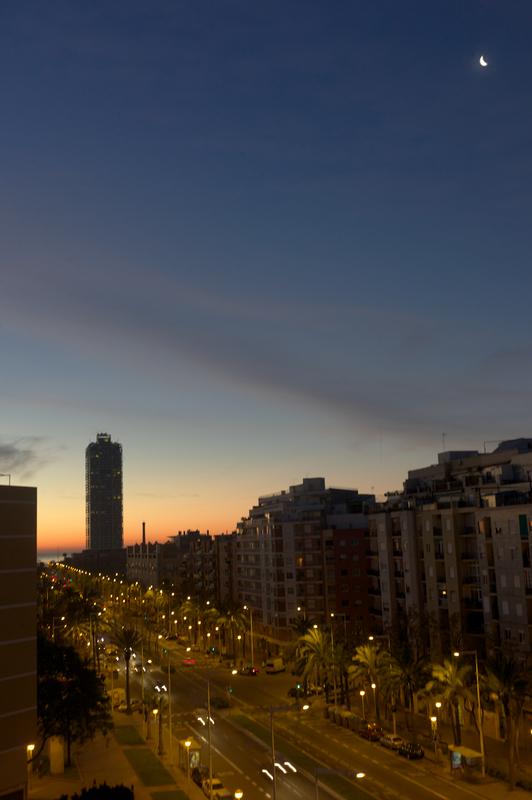 L1002972 - Amanecer en la ciudad