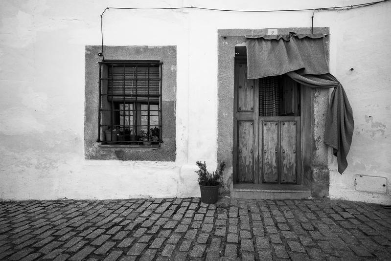Puerta B N - Cáceres y otras  perlas de Extremadura