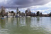 Lago_del_Retiro.jpg